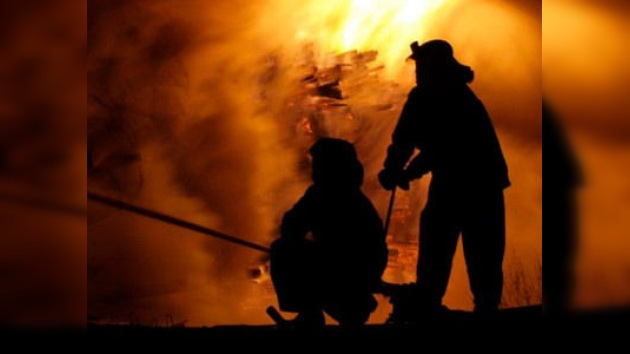 Bomberos de Tennessee dejan arder las casas sin seguro: si no pagan, no apagan