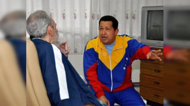 Chávez sale al paso de los rumores sobre su salud a través de Twitter