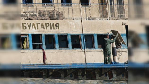 Recuperan todos los cuerpos de barco turístico que naufragó en el Volga
