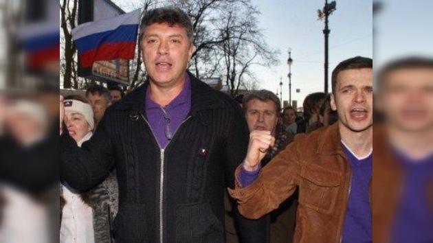 """Líder de la oposición rusa protesta junto con """"hámsters"""" y """"pingüinos"""""""