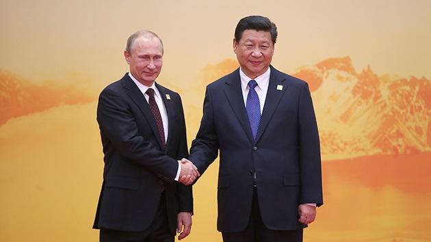"""""""China y Rusia empujan contra el mundo dominado por EE.UU."""""""