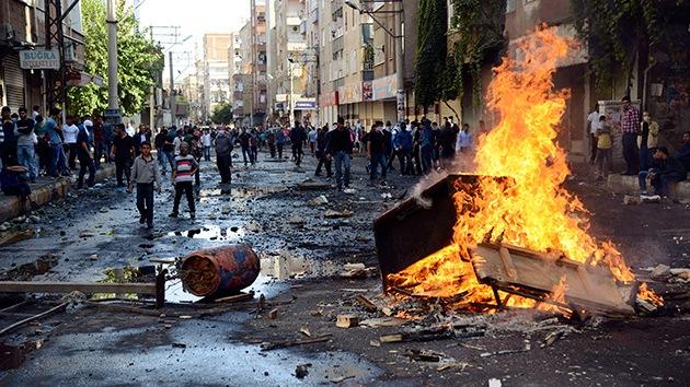 Video, fotos: Al menos 31 muertos por los disturbios en Turquía