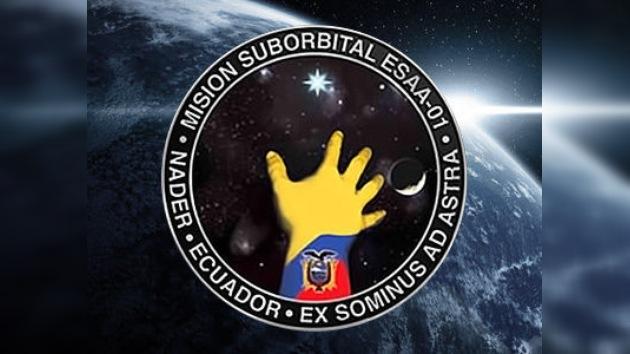 Ecuador presenta su primer satélite nacional