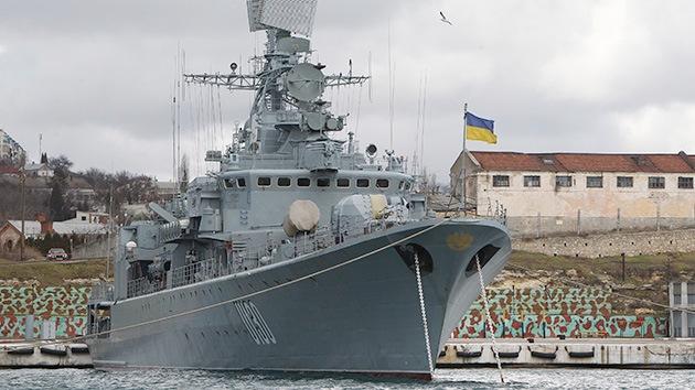 Medios: El buque insignia ucraniano izó la bandera de la Armada rusa