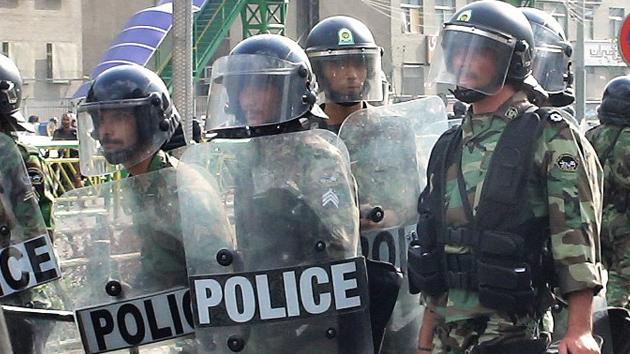 Irán detiene a un grupo de terroristas en una región petrolera