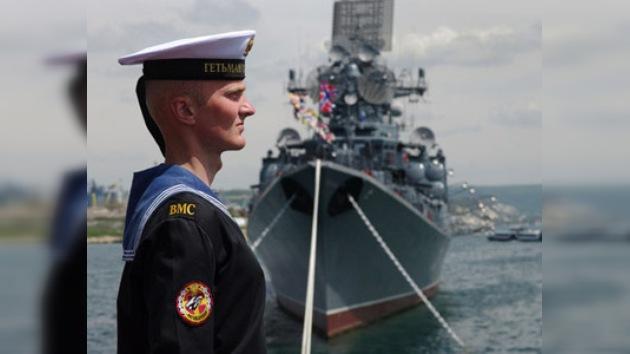 Los marineros rusos desfilaron en los puertos de Ucrania