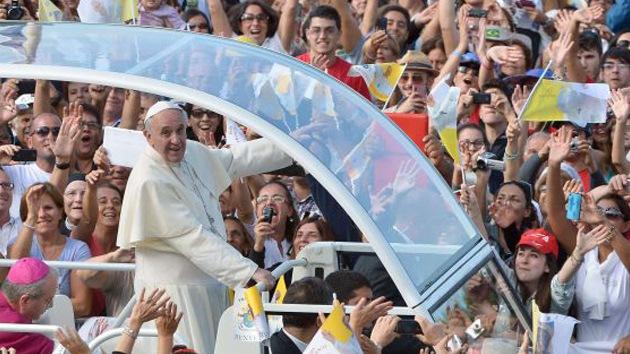 """Papa Francisco: """"El sistema económico actual idolatra a un dios llamado dinero"""""""