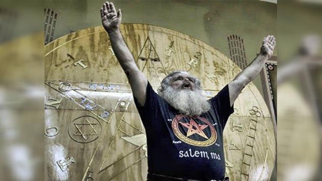 Feliz Año Nuevo no apocalíptico: 'El Brujo Mayor' afirma que en 2012 no acaba el mundo