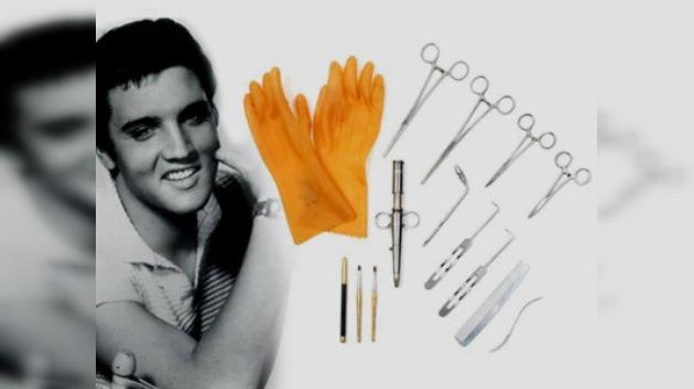Subastarán instrumentos usados para embalsamar a Elvis Presley