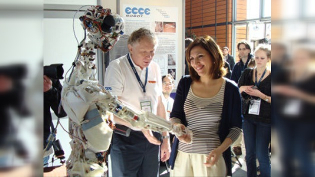 Un robot con esqueleto humano para potenciar el desarrollo de la IA