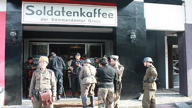 Fotos: Una cafetería de temática nazi indigna a los indonesios