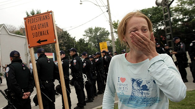 Canadá: piernas peludas, pretexto para arrestar a 7 mujeres
