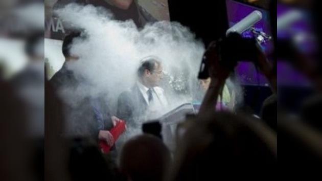 Lanzan harina a un candidato a la Presidencia de Francia