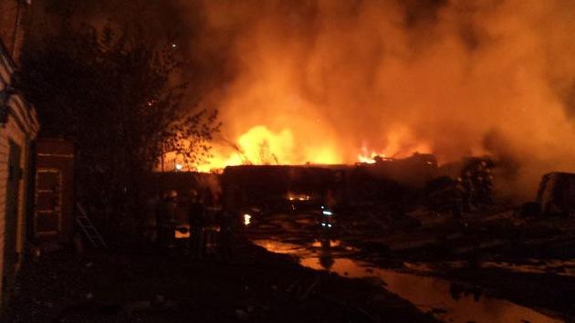 Video: Más de 20 heridos tras descarrilar e incendiarse un tren con combustible en Rusia