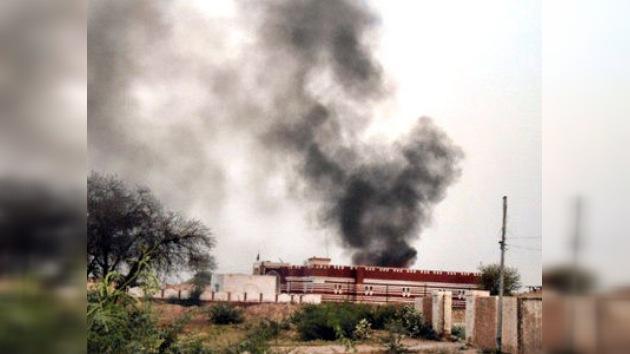 Extremistas pakistaníes usan por primera vez a una mujer como terrorista suicida