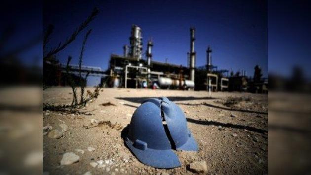 La guerra en Libia se paga a peso de petróleo