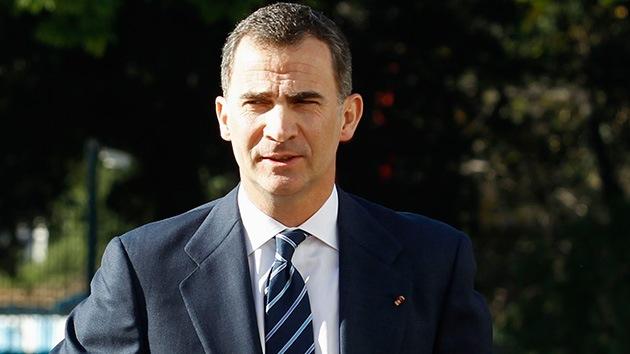 """Video: Un empresario catalán niega el saludo al príncipe por """"no dejar votar"""" la consulta"""