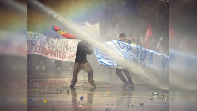La marcha estudiantil en Chile acaba con enfrentamientos con la policía