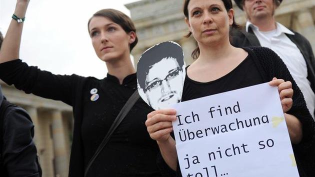 """""""El Gobierno alemán vende la privacidad de sus ciudadanos a EE.UU."""""""