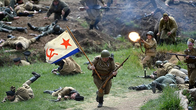 Video: Sebastopol recrea el histórico asalto del Ejército Rojo al monte Sapun