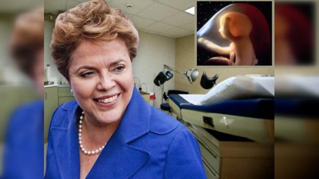 Respaldo al aborto puede costar el mandato a Dilma Rousseff