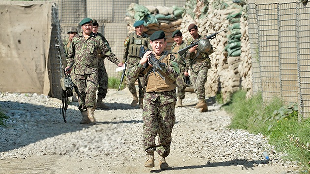 Las fuerzas afganas reciben el control de seguridad del país de manos de la OTAN