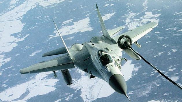 Fuente militar: Siria por primera vez bombardea la frontera con el Líbano