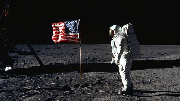 Los escépticos siguen en la Luna: ahora dudan de la filmación del alunizaje del Apolo