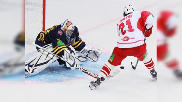 KHL: Atlant vence a Spartak y asciende al segundo puesto de su Conferencia