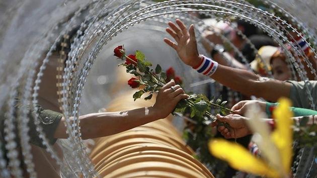 17 emotivos momentos de paz durante protestas violentas