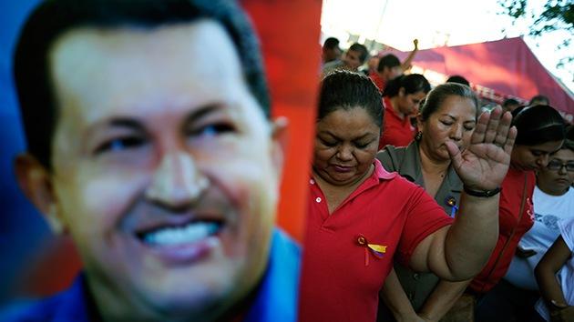 """Chávez """"está saliendo del posoperatorio y entrará en una nueva fase"""", según Maduro"""