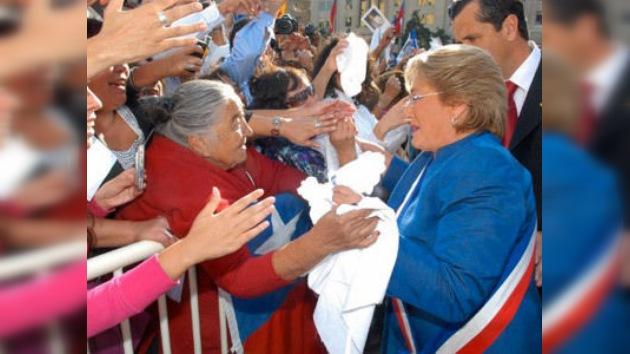 Las chilenas siguen prendadas de Bachelet