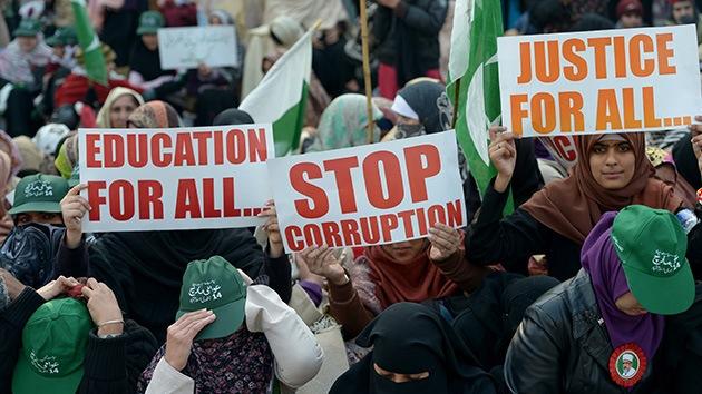La Corte Suprema de Pakistán ordena detener al primer ministro por corrupción