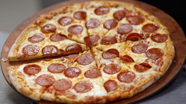 Pizza gratis para compensar una muerte: así se disculpa Chevron