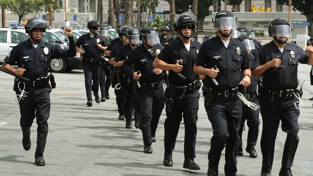 EE.UU.: 8 veces más posibilidades de morir a manos de un policía que de un terrorista