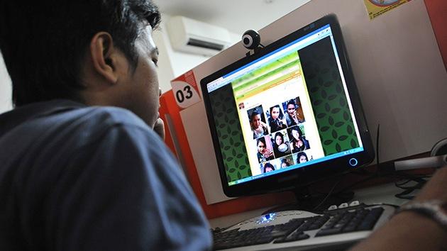 Egipto prohíbe la pornografía en Internet y causa una división en la sociedad