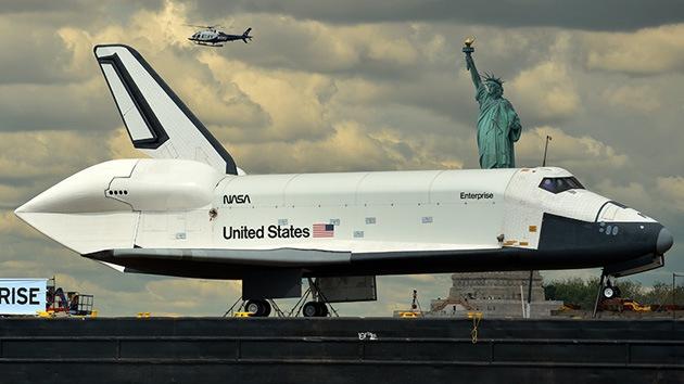 Video: El Enterprise aterriza en su nuevo hogar, el museo Interpid