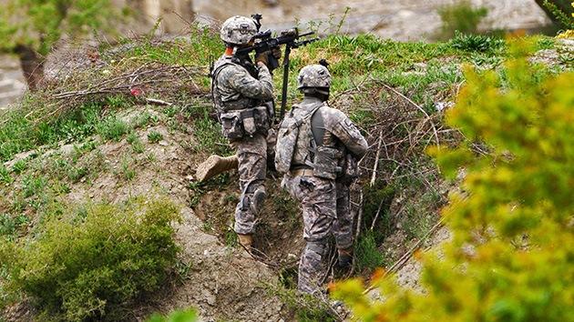 EE.UU. financia a Al Qaeda en Afganistán
