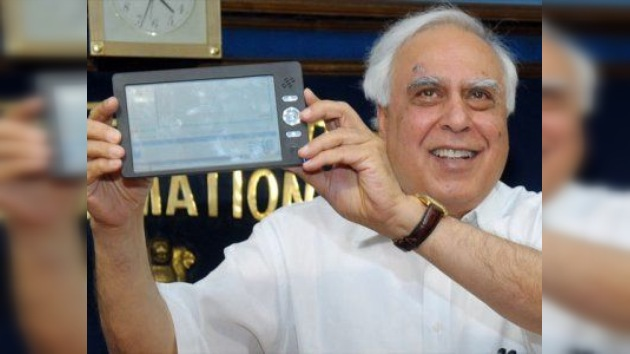 Se lanza en la India la 'tableta escolar'
