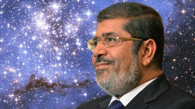 """""""¡Buen viaje!"""": La oposición inscribe al presidente de Egipto para un vuelo al espacio"""