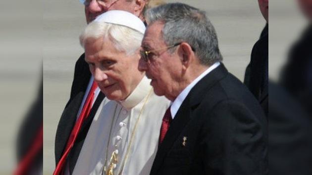 El Papa Benedicto XVI llega a Cuba