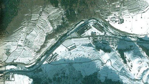 """Fotos de satélites: Corea del Norte construyó un enorme """"perímetro de seguridad"""""""