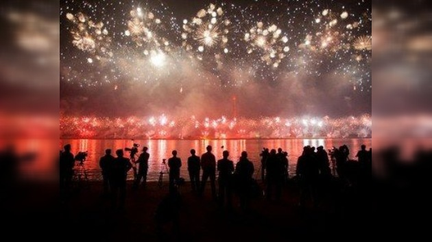 VIDEO: Impresionante espectáculo de fuegos artificiales en Corea del Norte