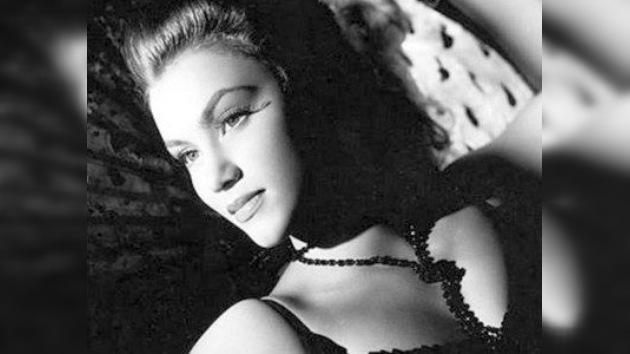 Fallece la primera 'chica Bond' a los 87 años de edad