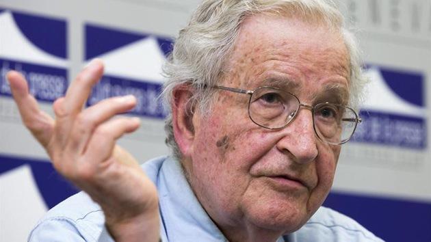 """Chomsky: """"La política de EE.UU. está diseñada para que aumente el terror"""""""