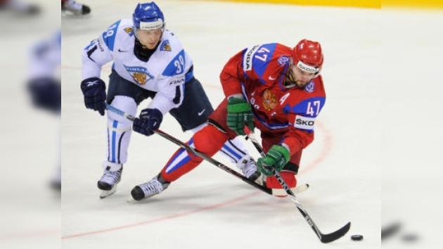 Rusia cae ante Finlandia pero logra avanzar a cuartos de final del Mundial de Hockey
