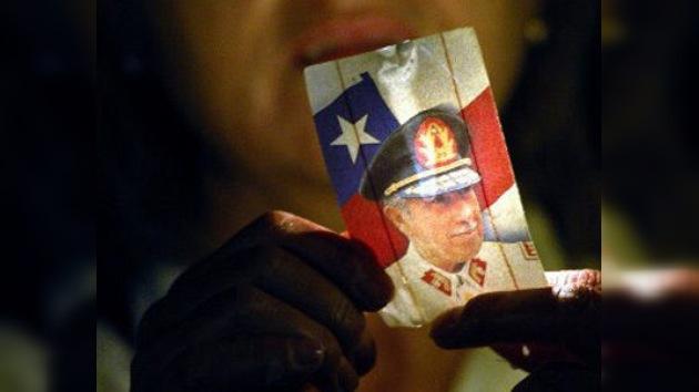 Chile ajusta 'cuentas' con Pinochet: un juzgado abre su testamento millonario