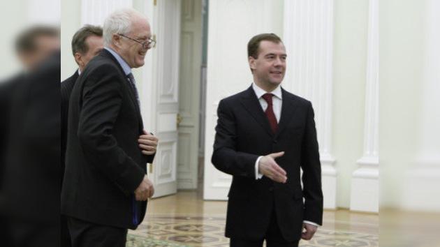 Medvédev promete defender los derechos humanos en Rusia