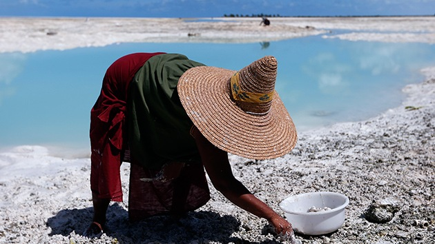 Fotos: La última generación de Kiribati, una isla a punto de ser devorada por el mar