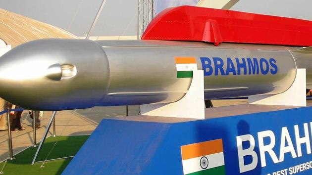 Empresa ruso-india desarrolla una versión compacta del misil supersónico BrahMos